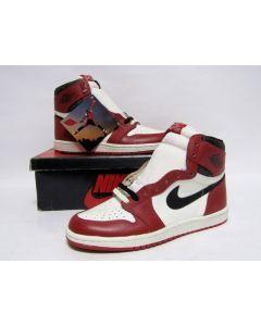 NIKE AIR JORDAN 1 HIGH OG CHICAGO White Black Red from 1985 Brand New Deadstock 9us (4280)