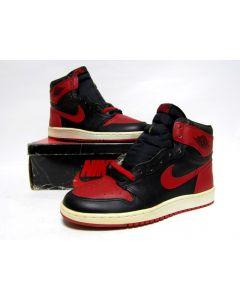 (SOLD OUT) NIKE AIR JORDAN 1 HIGH OG Black Red from 1985 Brand New Deadstock 11us (4281)