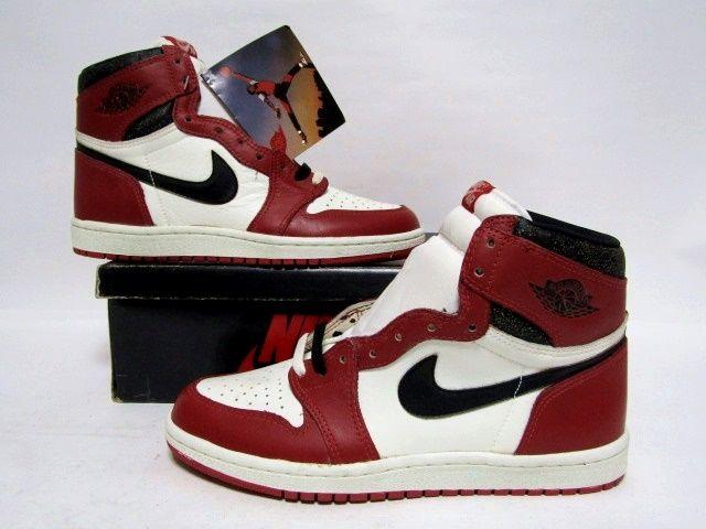 plus de photos c04a7 10208 NIKE AIR JORDAN 1 HIGH OG CHICAGO White Black Red from 1985 Brand New  Deadstock 9us (4280)