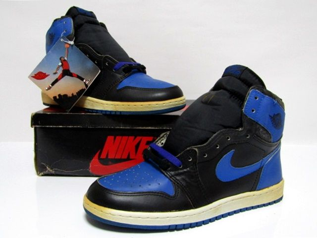 low priced 4cb42 983e0 NIKE AIR JORDAN 1 HIGH OG BLACK ROYAL BLUE from 1985 Brand New Deadstock  10.5us (4282)